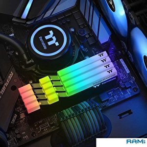 Оперативная память Thermaltake ToughRam RGB 2x8GB DDR4 PC4-24000 R009D408GX2-3000C16B