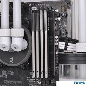 Оперативная память Thermaltake Toughram Z-One 2x8GB DDR4 PC4-28800 R010D408GX2-3600C18A